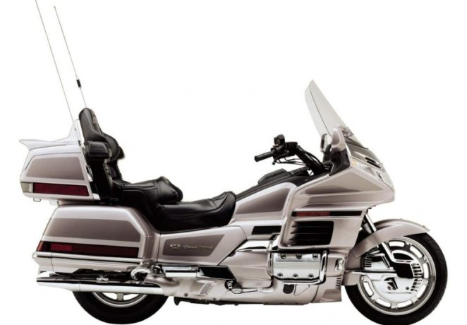 Honda Gold Wing 1500(1)